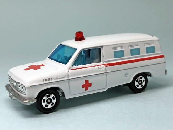 64-1 トヨタ ハイラックス 救急車 ★No.09 はるてんのトミカ