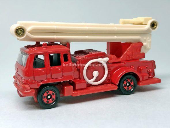 68-2 いすゞ シュノーケル消防車 はるてんのトミカ