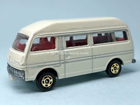 3-3 NISSAN CARAVAN HIGH ROOF VAN はるてんのトミカ