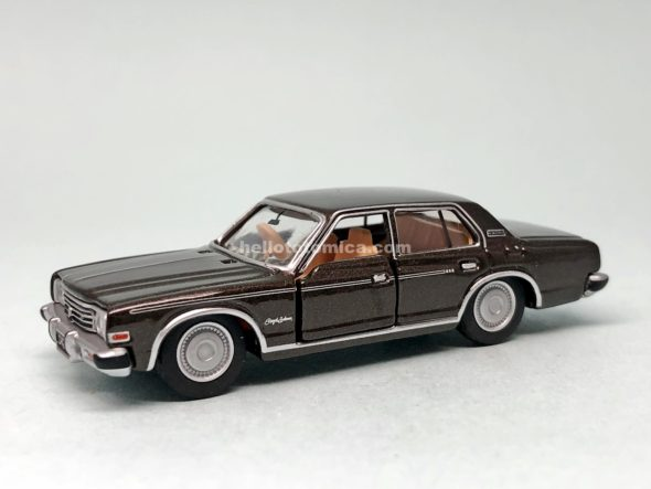32-2 TOYOTA CROWN 2600 ROYAL SALOON はるてんのトミカ