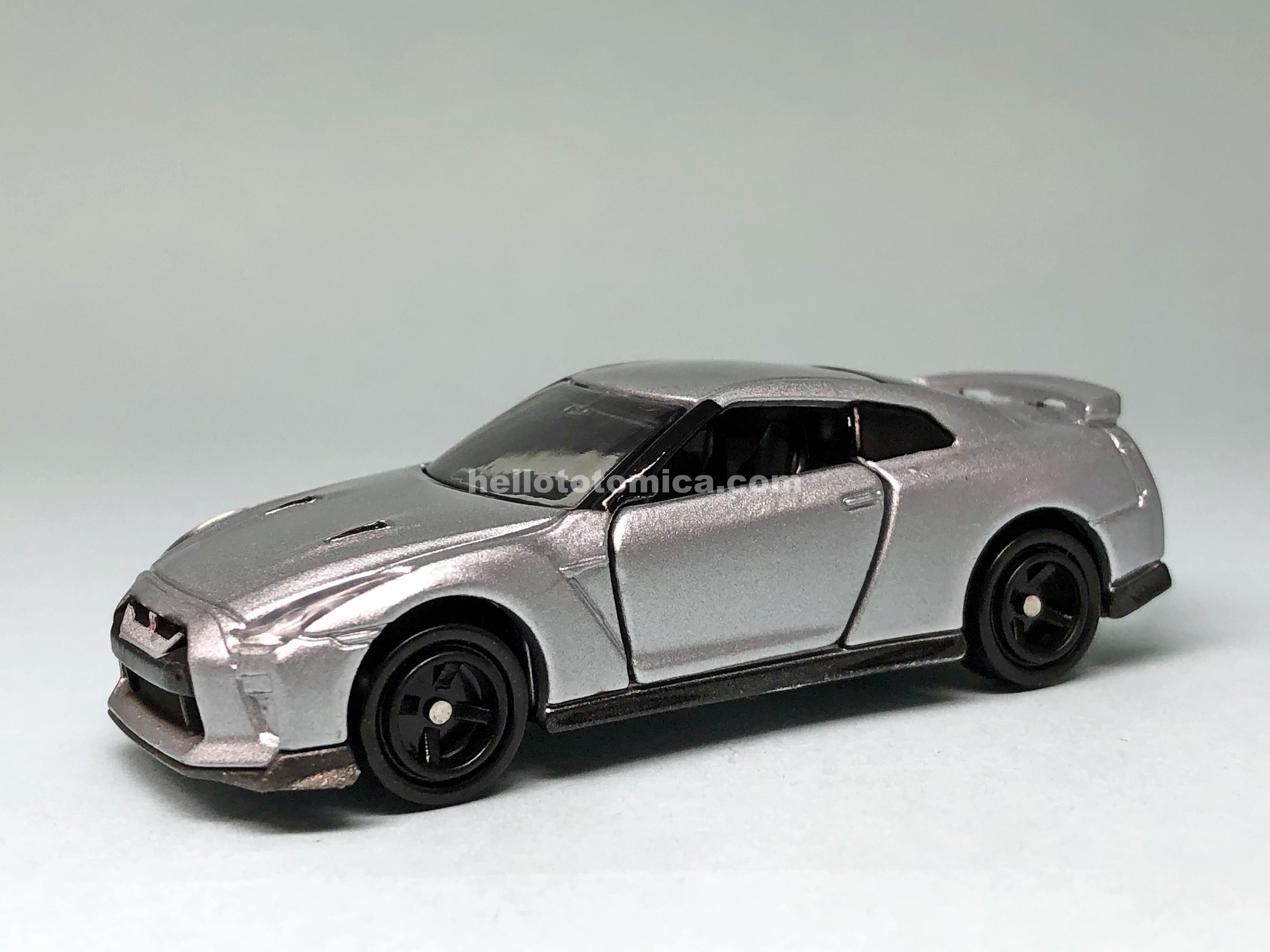 23-10 NISSAN GT-R